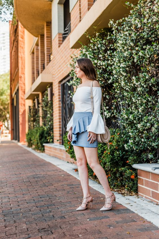 Gingham, ruffles, rockstuds and bell-sleeves