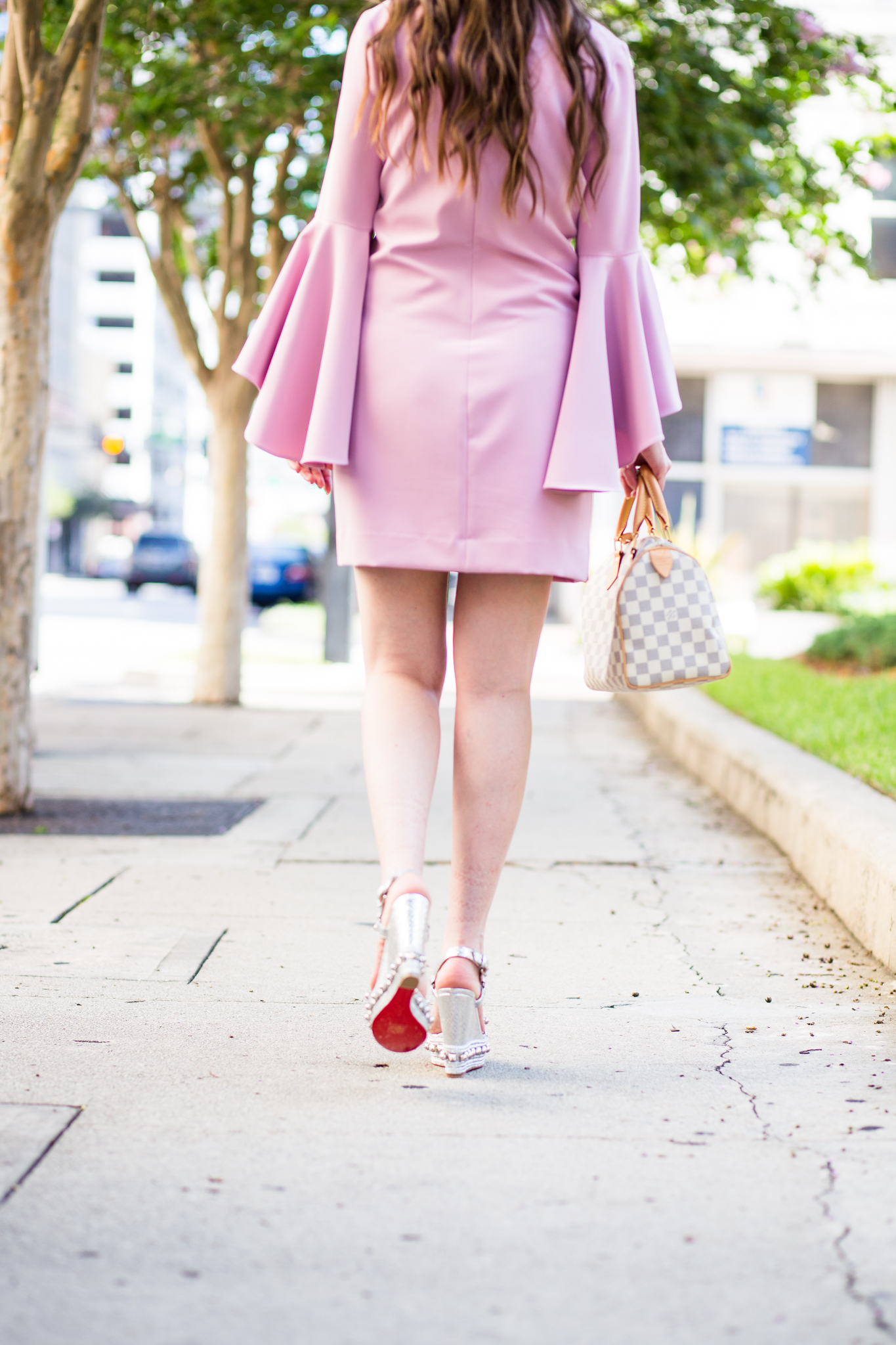 RUFFLE ME PINK WITH BELL-SLEEVES AND STUDS, Milly dress, milly nicole bell-sleeve dress, christian louboutin wedges, christian louboutin cataclou, summer dress, pink dress, pink bell sleeve dress, silver wedges, louis vuitton speedy 25 azur