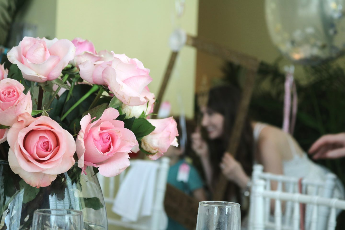 bridal shower, pink flowers, pink roses, bridal shower decor