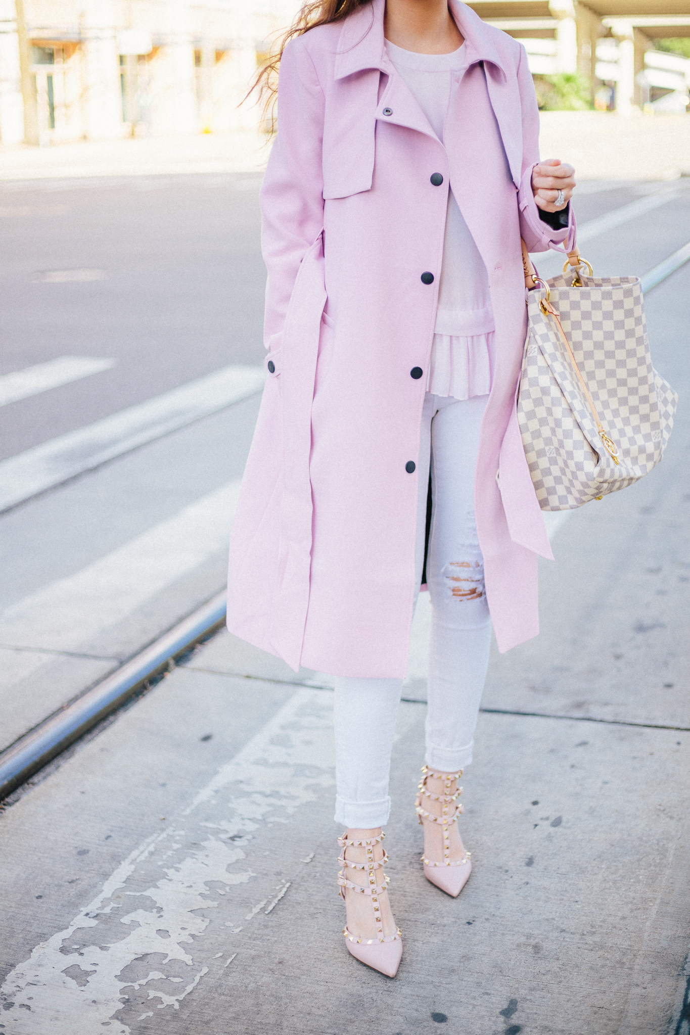 cute winter outfits, best stores to shop for cute winter outfits, asos pink coat, louis vuitton artsy, louis vuitton artsy damier azur, valentino rockstud kitten heels, valentino rockstud heels pink