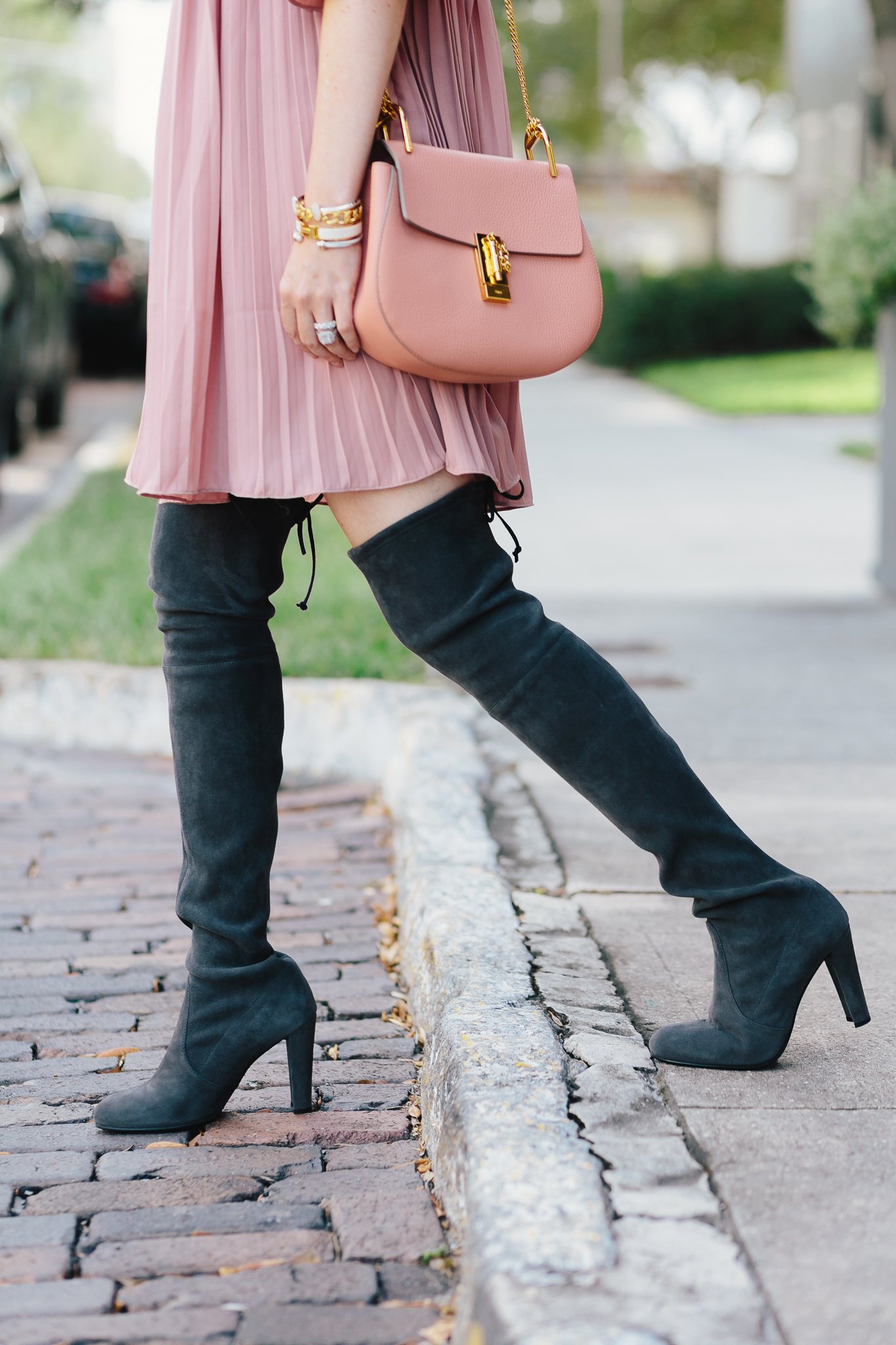 How to wear OTK boots with dresses| otk boots, Stuart weitzman highland, Stuart weitzman boots, Stuart weitzman hiline boots, asos dress, blush and suede, blush dress, Chloe drew, Chloe drew bag, pink and grey outfit, fall outfit, dress with otk boots, over the knee boots, ruffle dress, fall fashion