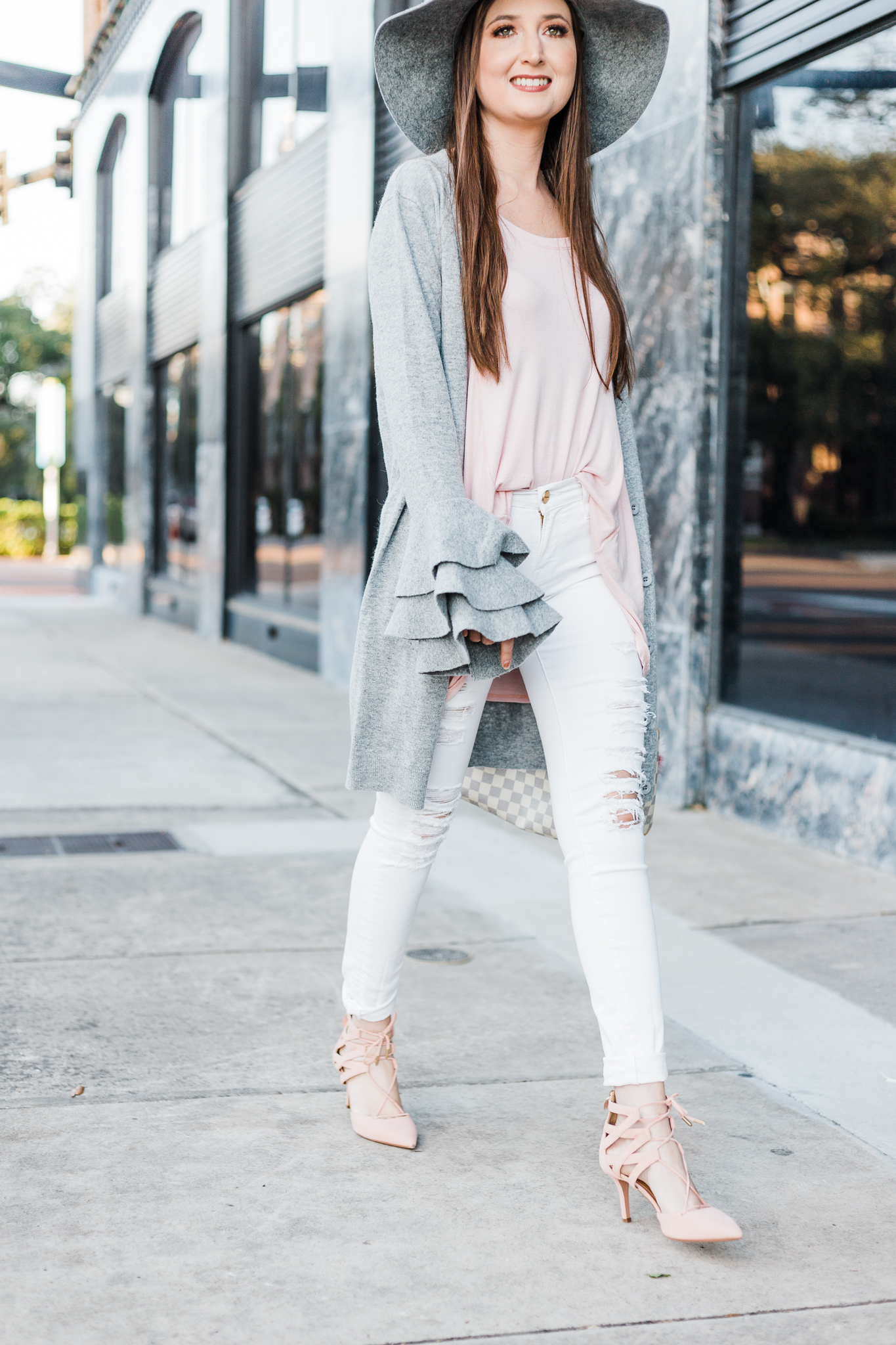 10 Easy To Copy Outfits That Will Make You Look Expensive, pink and grey outfit