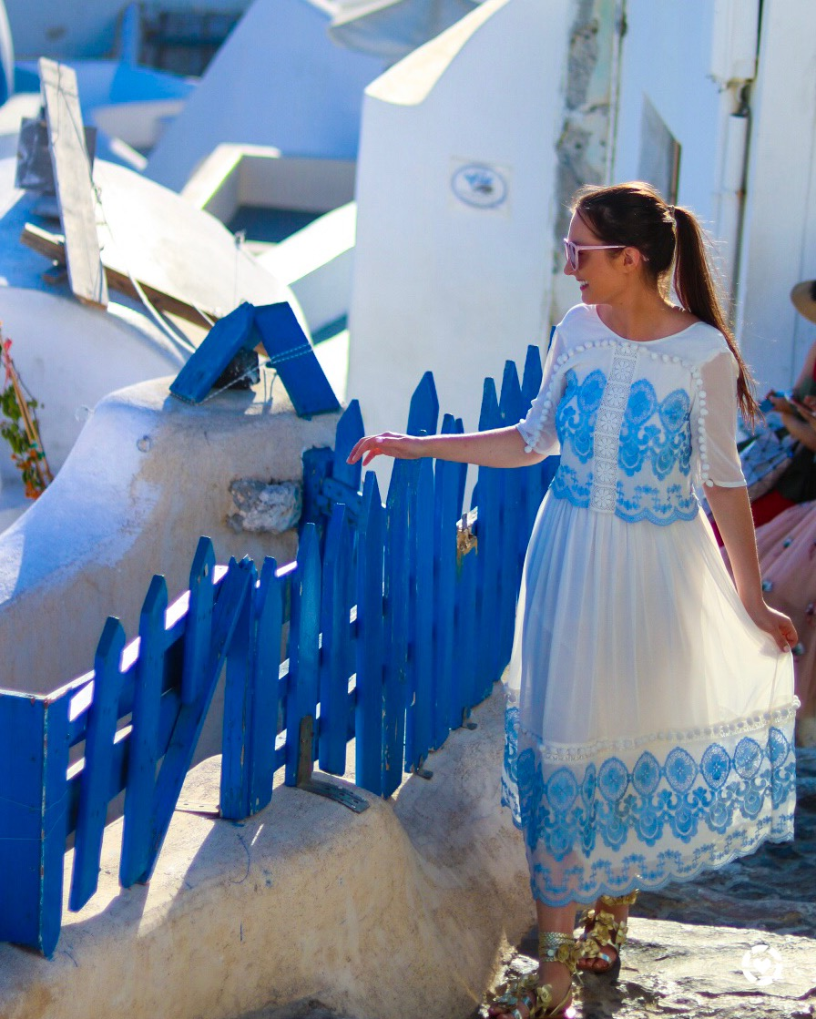 What to wear in Santorini, Santorini travel guide, Santorini Greece, Santorini fashion, outfit inspiration Santorini, Santorini, Santorini lifestyle, vacation in Greece, Santorini vacation, Santorini honeymoon, fashion for Santorini, What to wear in Greece, Greece travel guide