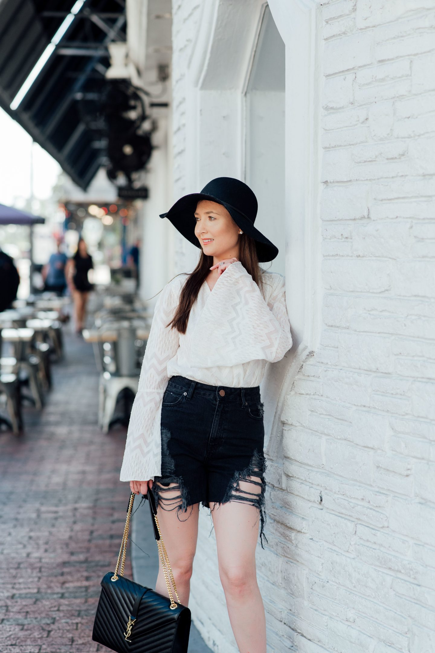 10 Easy To Copy Outfits That Will Make You Look Expensive, black and white outfit