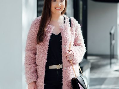 How to transition your winter wardrobe into spring, Via Spiga Reversible Coat, Black v-neck, Free people busted knee jeans, Chanel espadrilles, Louis Vuitton belt, YSL monogram bag, pink and black outfit, pink fur coat, reversible coat, spring outfit 2018