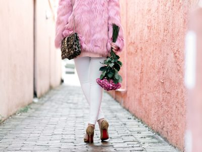 Valentine's Day outfit inspiration 2018, Valentines look, Valentine day outfit, Miss Selfridge faux fur coat, Free People January Tee, Joe's ankle skinny white jeans, Christian Louboutin Iriza pumps, louboutin iriza, Valentino lock bag, what to wear on valentines, pink faux fur, pink roses outfit, leopard handbag
