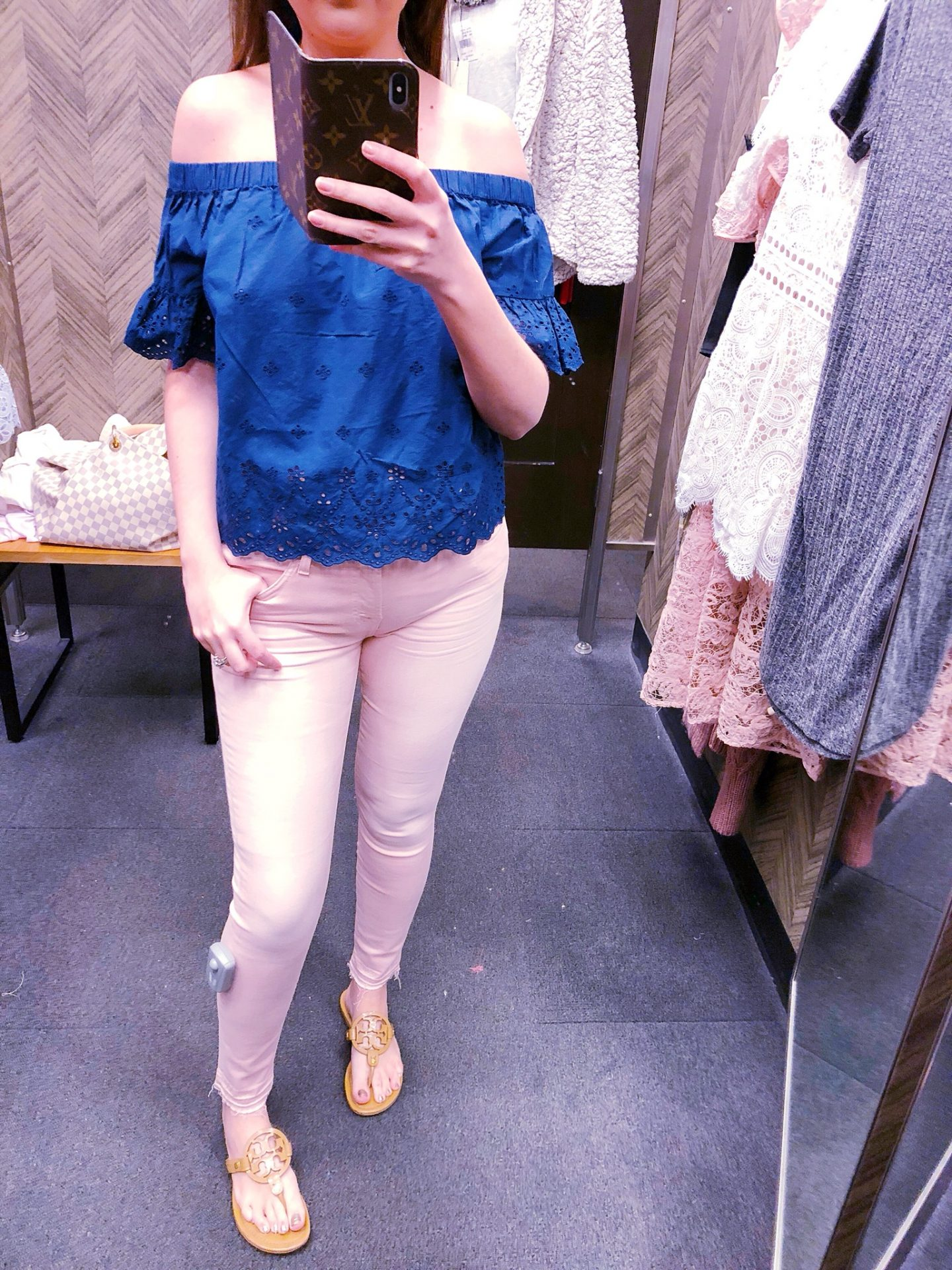Released Hem Ankle Skinny Jeans 7 FOR ALL MANKIND, pink jeans, 7 for all mankind pink jeans, madewell off the shoulder eyelet blouse, Nordstrom anniversary sale, Nordstrom anniversary sale 2018, Nordstrom anniversary sale haul, Nordstrom anniversary sale dressing room try-on