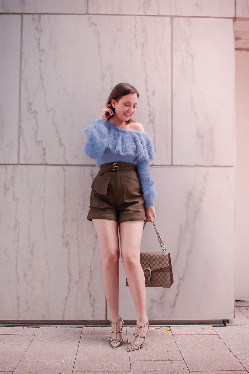 10 Easy To Copy Outfits That Will Make You Look Expensive, revolve sweater, look expensive, sweater and shorts