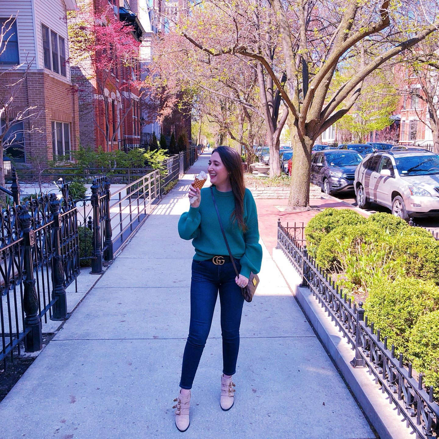 All The Amazing Things I Did On My Chicago Trip, gucci black belt, golden goose glitter sneakers, lincoln park chicago