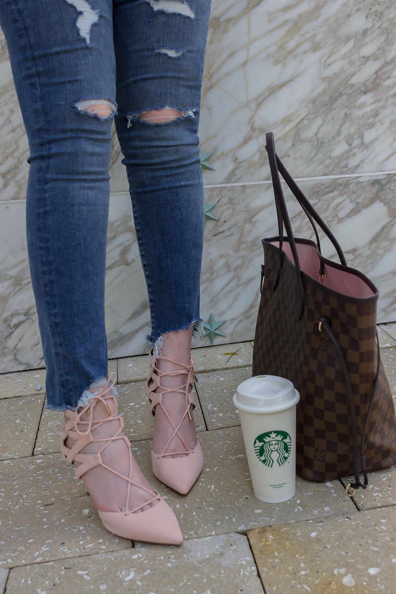 Look Expensive In This $27 Color Blocked Sweater, abercrombie jeans, louis vuitton neverfull mm, louis vuitton neverfull rose ballerine, aquazzura pink heels