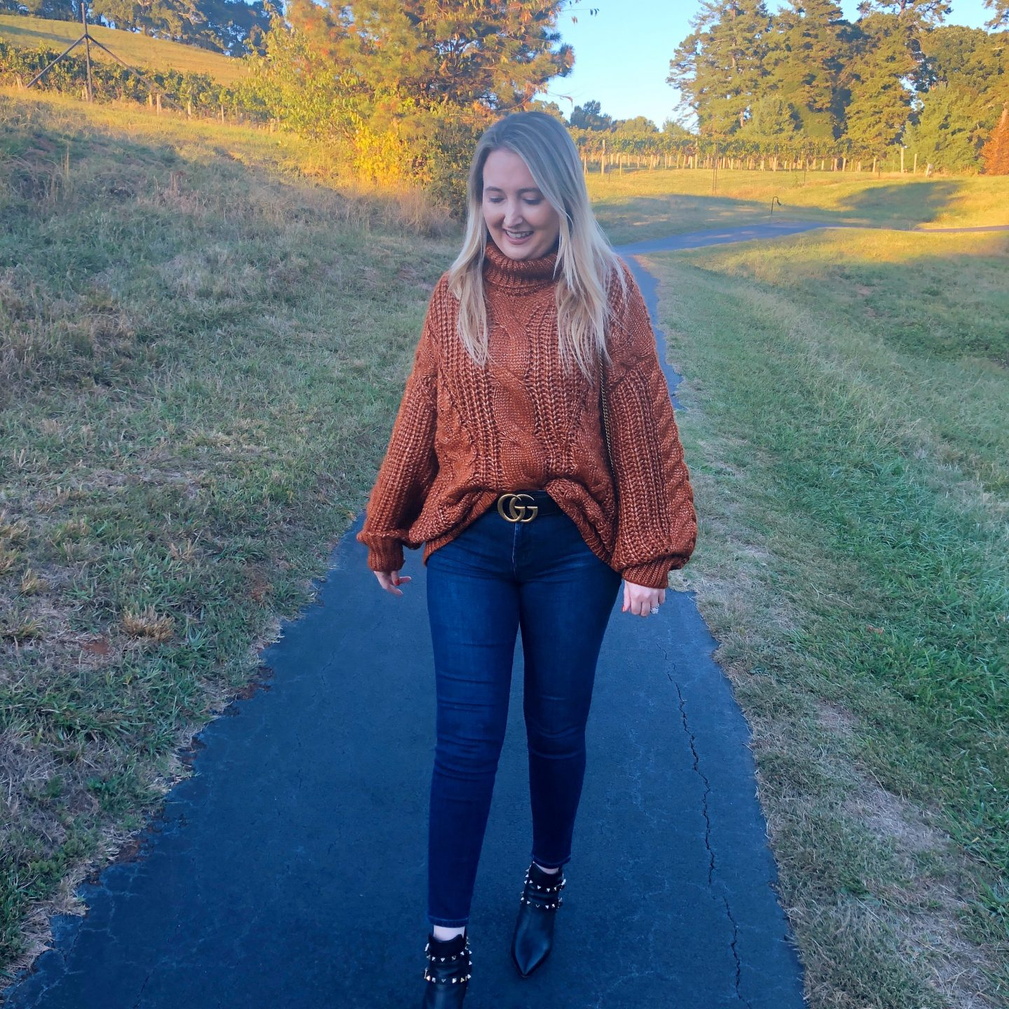What To Wear In Asheville In Fall,asheville style, asheville fashion, black gucci belt, gucci marmont belt, j.o.a sweater, chunky fall sweater